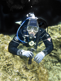 recreational diver in GUE single tank configuration