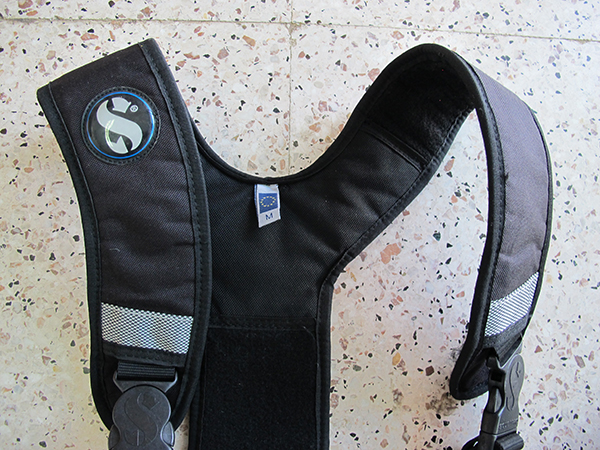 Second hand scubapro weight harness padded shoulder straps for more comfort than conventional weight belt